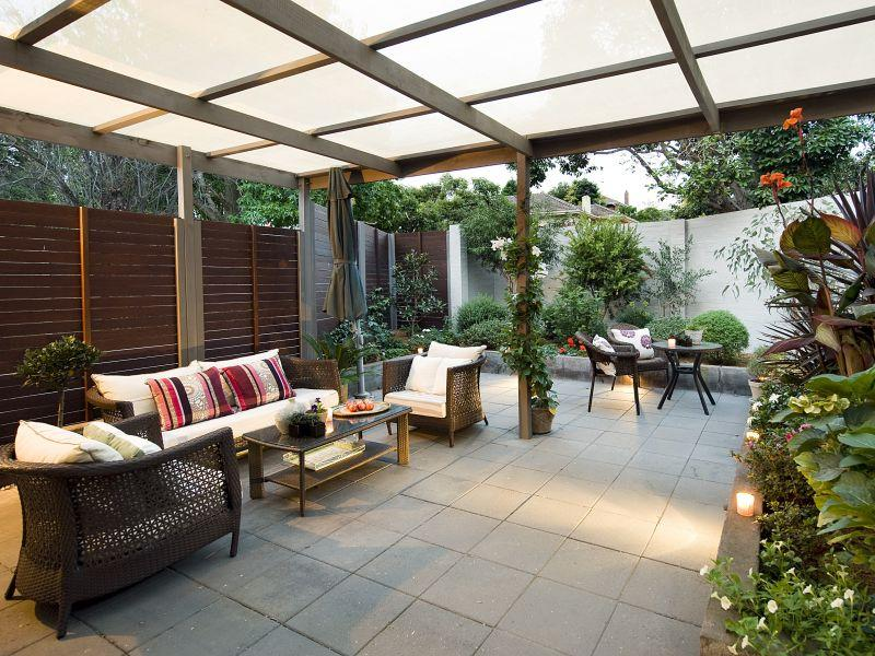 Diy ideas for spacious outdoor rooms house washing for Small outdoor patio areas