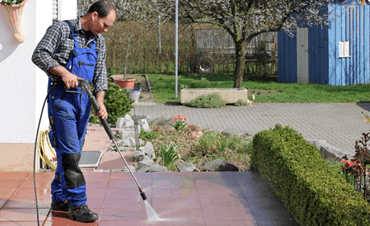 The Top 4 Benefits of Pressure Washing Your Driveway