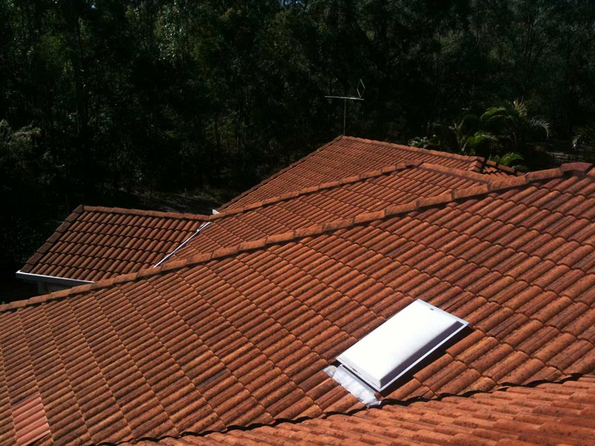 Photo of roof before roof washing| Roof Cleaning Brisbane