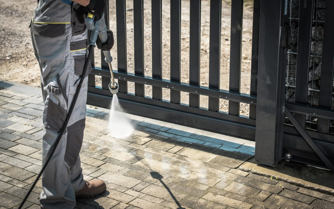 Top 7 Tips for Pressure Washing Your Driveway