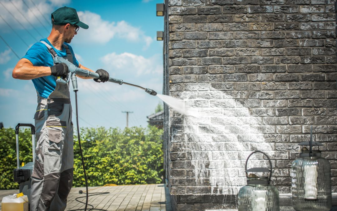 Soft Washing vs Pressure Washing: What's the Difference?